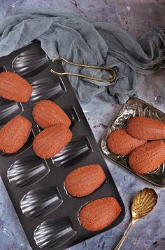 Cukkinis-csokis madeleine és a megtévesztett radargyerek | Sweet & Crazy Griddle Pan, Mousse, Paleo, Baking, Madeleine, Bakken, Moose, Beach Wrap, Bread