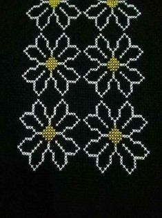 This Pin was discovered by Ünz Cross Stitch Flowers, Cross Stitch Patterns, Quilt Patterns, Free To Use Images, Prayer Rug, Bargello, Diy And Crafts, Birthday Gifts, Embroidery
