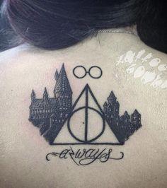 Plusieurs symboles pour un tatouage plus complet