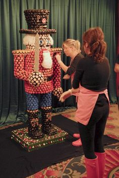 Katherine Amp Sophie Working On The Cupcake Nutcracker Georgetown