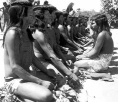 Among the Kanela (State of Maranhão), a Timbira group, boys are introduced to their age class through several initiation rituals, intended to train them to become warriors. Traditionally, the coming of age of the girls is associated with a maturity belt, required before they get married.