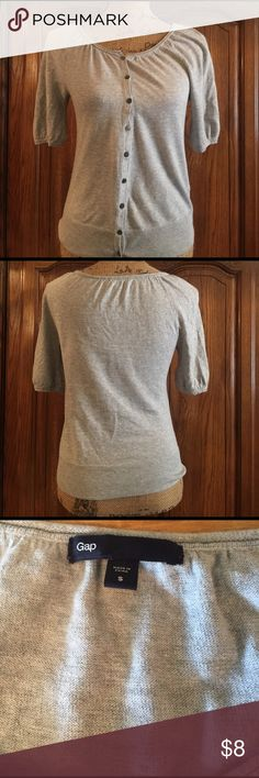 "GAP Cotton Sweater Gently worn size small made of 100% cotton. It has elbow length sleeves and measures 16"" underarm to underarm and measures 22"" long measured from shoulder to hem GAP Sweaters Cardigans"