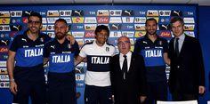 (L-R) Gianluigi Buffon, Daniele De Rossi, Head coach Antonio Conte, President FIGC Carlo Tavecchio and Italy's Ambassador in France Giandomenico Magliano pose for a photo during a press conference at Casa Azzurri on June 9, 2016 in Montpellier, France.