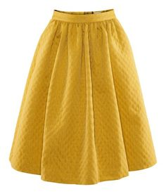 Cuuute yellow skirt (from H, featured at Costume.dk)