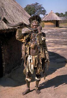 File:Shona witch doctor (Zimbabwe).jpg