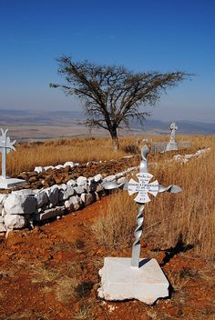 The Battle of Spionkop was fought on the and of January This battle was the scene of the most futile, and certainly the bloodiest of the four battles fought to relieve the besieged town of Ladysmith from the surrounding Boer forces. Kwazulu Natal, Beaches In The World, Travel Planner, African History, Military History, Travel With Kids, South Africa, Tourism, Beautiful Places