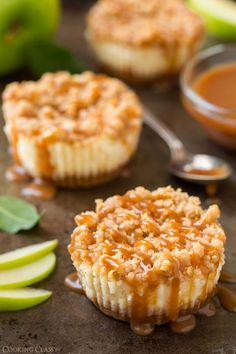 even without the caramel topping these sound delicious. Caramel Apple Mini Cheesecakes with Streusel Topping - Cooking Classy Mini Caramel Apples, Caramel Apple Cheesecake, Cheesecake Recipes, Dessert Recipes, Apple Caramel, Cheesecake Cupcakes, Cheesecake Bites, Pumpkin Cheesecake, Apple Recipes