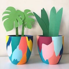 Painted Plant Pots, Painted Flower Pots, Flower Pot Art, Pottery Painting Designs, Fleurs Diy, Art Diy, Diy Home Crafts, Bottle Art, Plant Decor