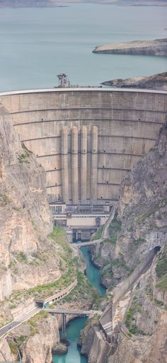 Water Dam, Water Delivery, My Point Of View, Le Moulin, Bridges, Places To Travel, Mount Rushmore, Grand Canyon, Solar