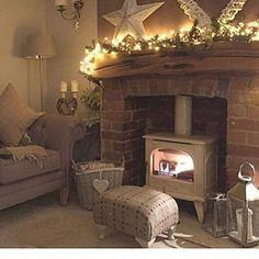 Cozy Rustic Living Room Decoration With Fireplace 21 Cosy Living Room, Farm House Living Room, Living Room With Fireplace, Living Room Designs, Home Living Room, Log Burner Living Room, Cottage Living Rooms, Room Design, Room Decor
