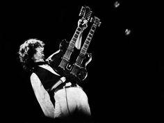 """""""É o último registro, em disco, de Roger Waters de David Gilmour ao vivo no Pink Floyd. O que os dois fazem nesse álbum é inacreditável, especialmente em momentos como """"Run Like Hell"""" quando duelam nos vocais."""""""