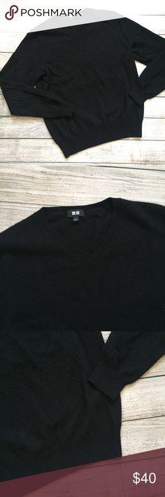 "Uniqlo Black Cashmere Sweater Black Cashmere Sweater by Uniqlo. 100% cashmere. V-neck. Long sleeves. Length 24"". Bust 20"". No flaws to note. NO TRADES/NO MODELING  060107 Uniqlo Sweaters V-Necks"