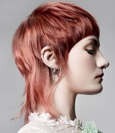 Anna Alford Colour Technician of the Year 2019 Finalist Mullet Haircut, Mullet Hairstyle, Medium Hair Cuts, Short Hair Cuts, Short Hair Styles, Hairstyles With Bangs, Pretty Hairstyles, Beige Blonde Balayage, New Hair Do