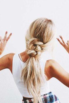 Fun boho bridal ponytail - wedding ponytail inspiration - boho wedding hairstyles - wedding hair ideas {Love Hairstyles}
