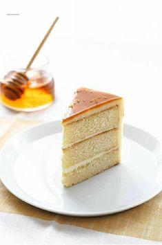 Köstliche Desserts, Delicious Desserts, Dessert Recipes, Yummy Food, Cupcakes, Cupcake Cakes, Layer Cake Recipes, Honey Cake, Cake Blog
