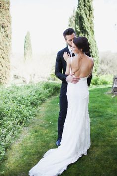 flowing backless dress | Photography by marissamaharaj.com |
