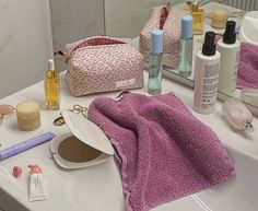 Beauty Care Routine, Beauty Hacks, Flat Lay Inspiration, Mood And Tone, Girl Life Hacks, Dream Rooms, Summer Trends, Face Skin, Take Care Of Yourself