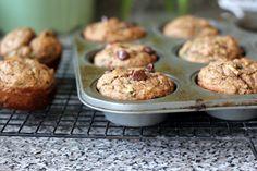 Zucchini Banana Flaxseed Muffins - A Hint of Honey Real Food Recipes, Baking Recipes, Snack Recipes, Yummy Food, Snacks, Banana Zucchini Muffins, Flaxseed Muffins, Zucchini Bread, Healthy Muffins