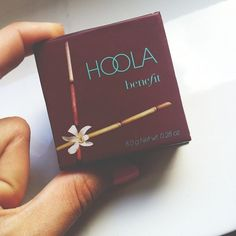 Hoola by Benefit Cosmetics. GREAT for countouring ^-^ Available at sephora