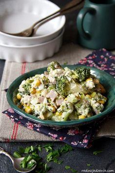 Przepis na: Sałatka z brokułem, szynką i serem feta