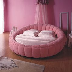 How cool is this!? Pink Circle Bed