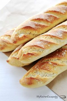 Easy French bread recipe is a real thing! This amazing homemade french bread makes 4 gorgeous baguettes that are crunchy on the outside and chewy insiade Easy French Bread Recipe, Homemade French Bread, Easy Bread Recipes, Cooking Recipes, Homemade Baguette Recipe, Authentic French Baguette Recipe, Chewy Bread Recipe, Italian Bread Recipes, Baguette