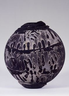 Paul Soldner: Vase, 1965. Raku ... On a mission to use ceramics as an inspiration for cement art