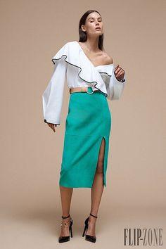 Diane von Furstenberg Spring/Summer 2017 at New York Fashion Week New York Fashion, Fashion Week, Fashion 2017, High Fashion, Fashion Show, Fashion Design, Fashion Outfits, Jonathan Saunders, Diane Von Furstenberg