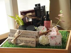 Trousseau packing Wedding Hamper, Wedding Gift Baskets, Diy Gift Baskets, Wedding Gift Boxes, Wedding Keepsakes, Gift Hampers, Wedding Favors, Diy Wedding, Wedding Gifts