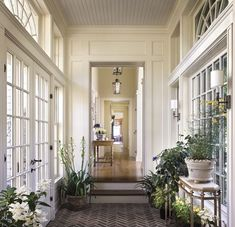 perfect entryway/breeze way More