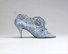 Roger Vivier for Dior. '57. I want them!!!