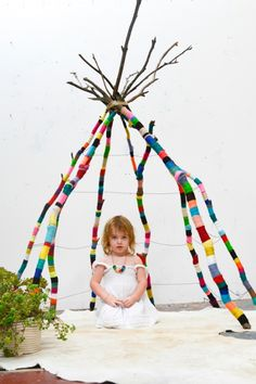 Tipi with just the Structure. DIY yarn wrapped branch teepee by Nathalie Miller Diy Tipi, Rooms Decoration, Deco Kids, Ideias Diy, Yarn Bombing, Kid Spaces, Diy For Kids, Kids Playing, Kids Room