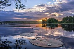 Summer night in Finland/ photo:Asko Kuittinen Boho Beautiful, Beautiful Places, Beautiful Pictures, Alaska, Photography Movies, Scandinavian Countries, Landscape Pictures, Naturally Beautiful, Natural Beauty