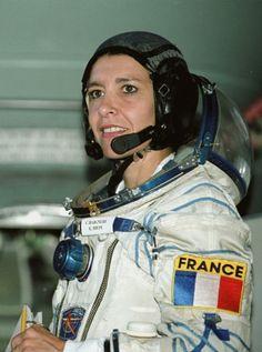 Claudie Haigneré.1957- Première femme Française dans l'espace - Femme politique et ministre, déléguée aux affaires européennes.