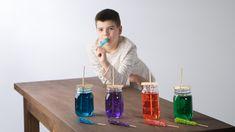 C'est le temps des sucres! Fabrique toi-même ces sucettes sucrées en forme de pierres précieuses. Water Bottle, Art Plastique, Marshmallows, Cool Stuff, Drinks, Diy Art, Techno, Recipes, Kids