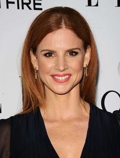 Sarah Rafferty stars as Donna Paulsen on the hit USA network series Suits. In this interview she shares her go-to beauty look and hairstyle, as well as how she Red Hair Celebrities, Donna Paulsen, Sarah Gray, Mens Braids, Cornrows Men, Sarah Rafferty, Wedding Hair Colors, Shaggy Haircuts, Beautiful Redhead