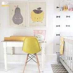 Gedeelde-kinderkamer-ideeën (gebruik commode ook als kinderburo en meer tips) Baby Decor, Kids Decor, Nursery Decor, Room Decor, Kids Room Design, Baby Kind, Nursery Inspiration, Fashion Room, Kid Spaces
