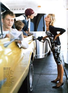 awesome Timeless| Karolina Kurkova para Vogue US Junho 2002 por Arthur Elgort  [Editorial]