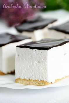 Arabeska : Ptasie mleczko najprostsze Cookie Desserts, Dessert Recipes, Baker And Cook, How To Make Marshmallows, Polish Recipes, Russian Recipes, Healthy Sweets, Baked Goods, Sweet Recipes