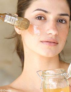 Recette d'Olivier Coumes : masque visage détoxifiant La peau de notre visage subit de nombreuses agressions, notamment à cause de la pollution. Il est bon de lui offrir toutes les semaines un soin dépuratif pour gommer les imperfections et retrouver une sensation de douceur.Les ingrédients qu�...