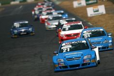 Thiago Camilo liderando a etapa de Brasília em 2011. (Foto: Reprodução) Stork, Nascar, Touring, Cars, Blog, Exotic Cars, Auto Racing, Running, Vintage Cars