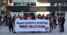 Decenas de personas secundan la protesta antifascista contra el 12 de Octubre