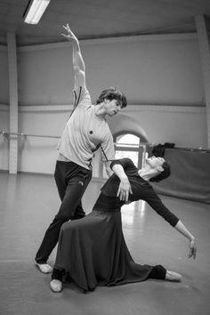 Alice Renavand and Florian Magnenet in rehearsal for Ratmansky's Seven Sonatas