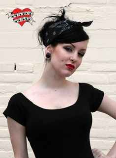 http://www.hotrodhussy.com/shop/accessoires/hair_wear/grease_rag_black/422