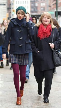 Taylor Swift And Mom(Andrea Swift)