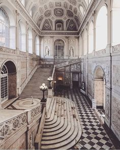 Congratulations to on this spectacular picture of the Royal Palace of Naples ? Congratulations to on this spectacular picture of the Royal Palace of Naples ? Abandoned Buildings, Abandoned Castles, Abandoned Mansions, Old Buildings, Abandoned Places, Abandoned Plantations, Architecture Baroque, Beautiful Architecture, Beautiful Buildings