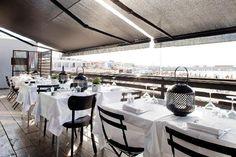 Pascal Kitchen Marseille : la terrasse sur la mer et le sable