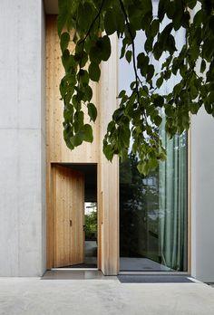 Op zoek naar een gepaste buitendeur of binnendeur? Kijk op www.voorjouwhuis.nl