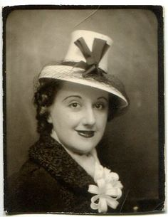 +~ Vintage Photo Booth Picture ~+  Love the jaunty hat...