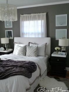 Gray And Blue Bedroom Ideas 15 Bright And Trendy Designs: Chambre Grise, Deco Y Deco Gray Bedroom, Bedroom Decor, Bedroom Ideas, Winter Bedroom, Budget Bedroom, Pretty Bedroom, Bedroom Furniture, Winter Bedding, Bedroom Night